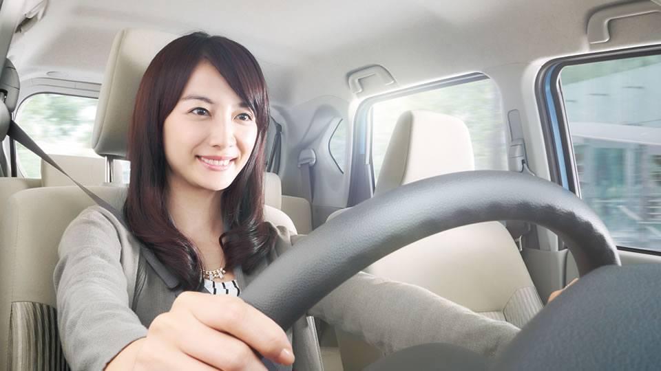 ダイハツ車の運転姿勢